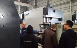 Russian agents to bring customers to check the CNC Press Brake MB8-200T3200 DA58T System(news)
